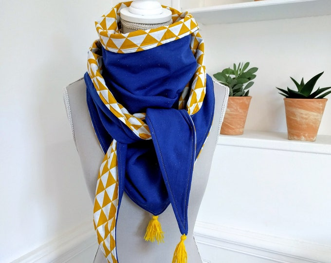 Scarf triangle tassel, blue speckled and yellow and white triangles