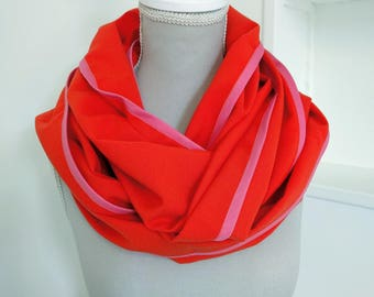 Snood wool orange, pink edging