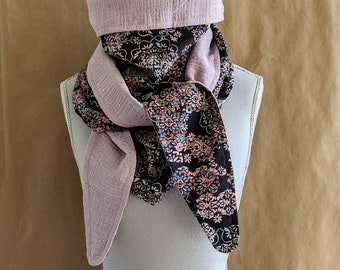 Cotton triangle scarf, Liberty Floral Filigree A