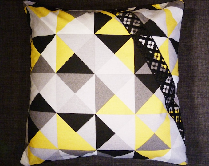 Cushion cover 40 x 40 cm, black, yellow and white, triangles