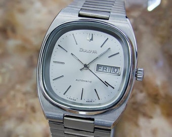 b5c1907df Bulova Day Date Stainless Steel Swiss Made Mens Automatic 1970s Watch U22