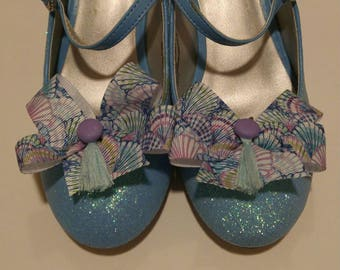 Sea shells ribbon shoe bows Lilly fabric inspired shoe accessories in blues and purples shoe accessories that look like Oh Shello