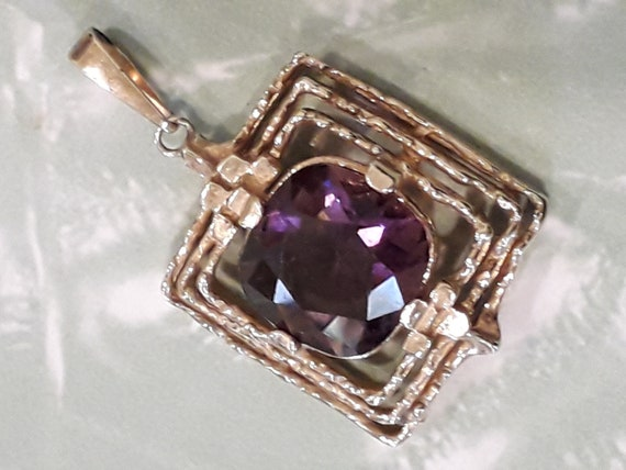 1960's rolled gold and stone pendant