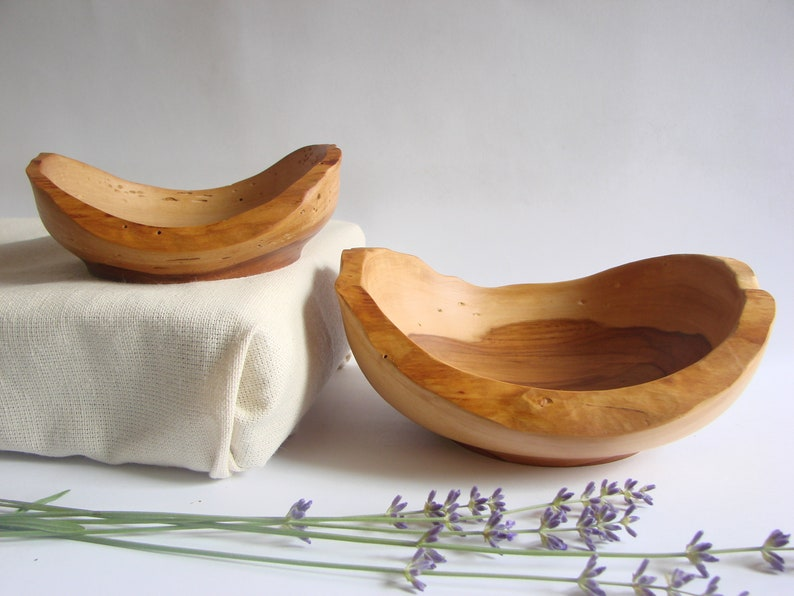 Oak bowl gift for her jewelry tray unique gift independence day jewelry box hand turned wood bowl housewarming gift nuts berries bowl