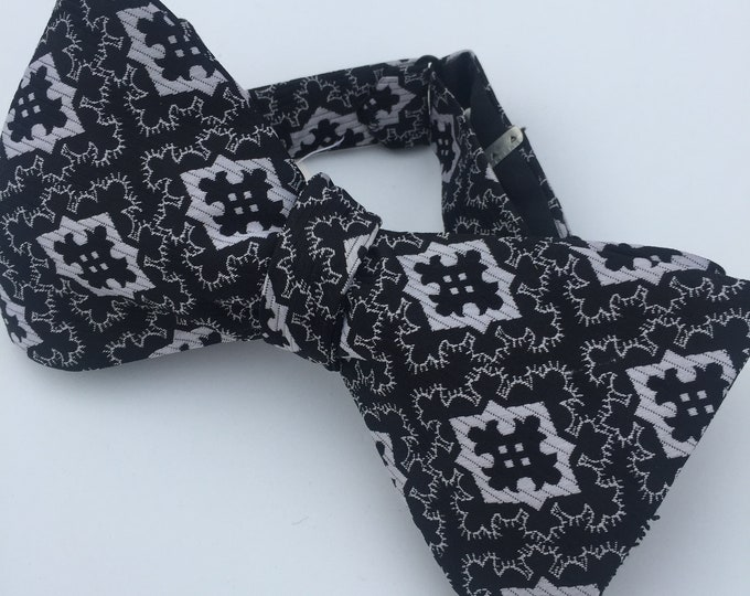 Black Silver Pattern Vintage Self Tie Bow Tie