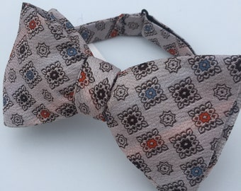 White Pattern Vintage Self Tie Bow Tie