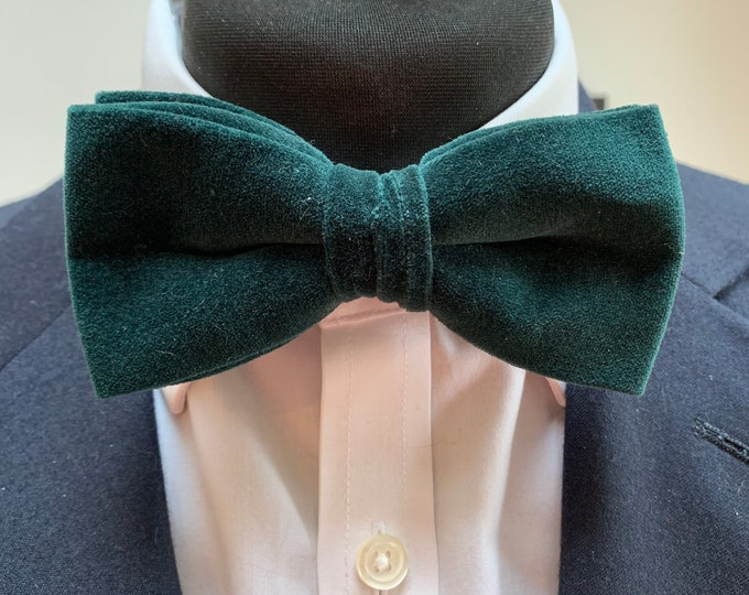 Men's Green Velvet Bow Tie - available ready tied