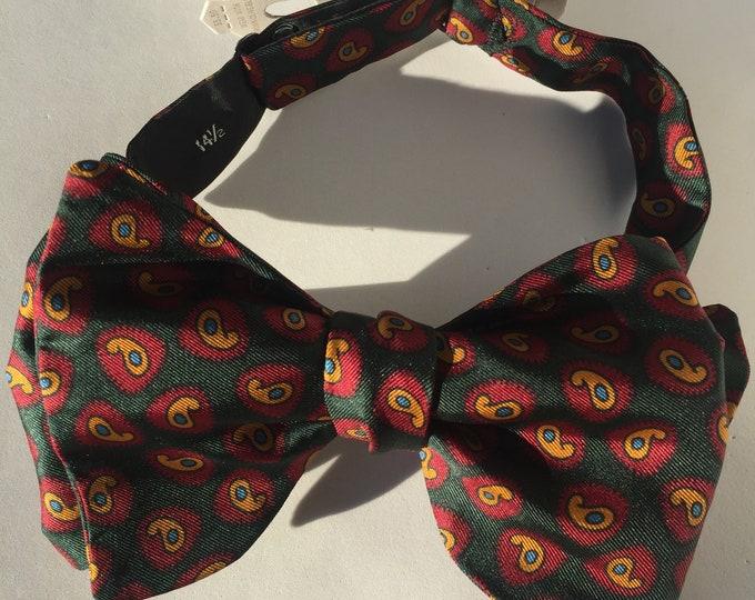 Green Paisley Vintage Self Tie Bow Tie