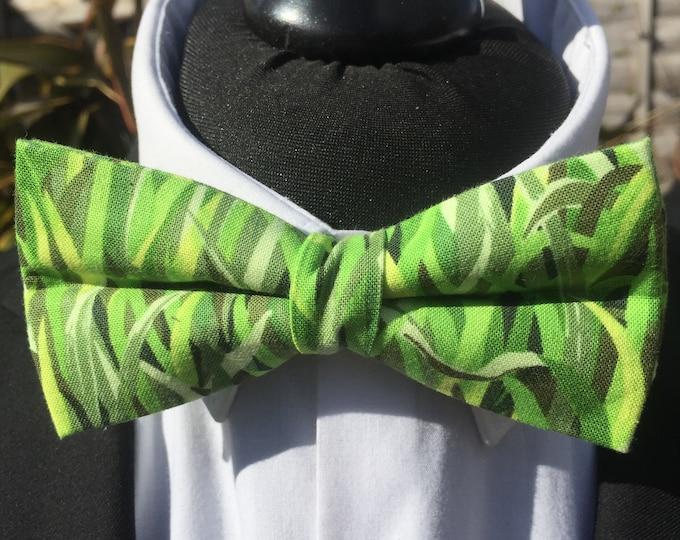 Green Grass Gardener Golf Fan Ready Tie Bow Tie