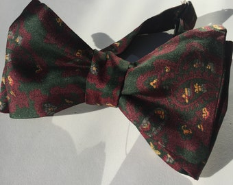 Silk Green Paisley Vintage Self Tie Bow Tie