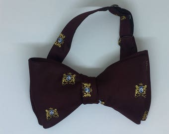 Burgundy Coat Of Arms Vintage Self Tie Bow Tie
