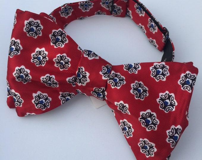 Red Pattern Vintage Self Tie Bow Tie