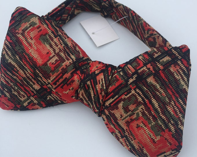 Red Pattern Vintage Self Tie Bow Tie