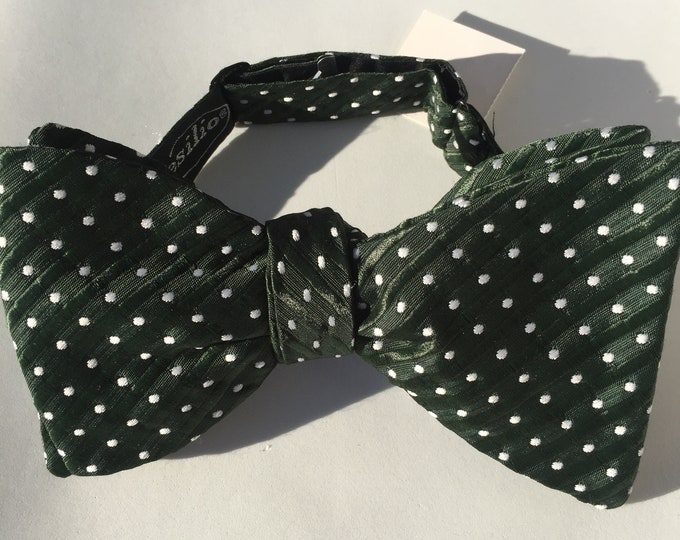 Green White Spot Vintage Self Tie Bow Tie