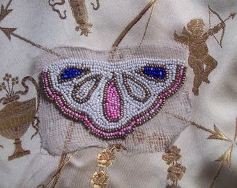 A nice application old beaded art deco never used, beaded pattern