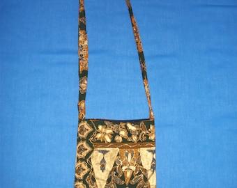 Cross Over Bag Triangle Print