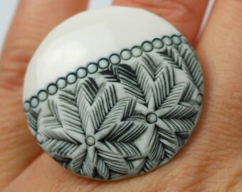 "Ring ""Madrid 2018"" porcelain. Ceramic jewelry. Manon Lacoste."
