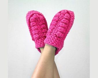 CROCHET PATTERN- House Slippers, Crochet Slippers Pattern, Boho Slippers Crochet Pattern, Crochet House Shoes, Blanket Yarn Crochet Slippers