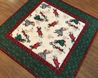 Quilted Christmas table mat, snowmen, candle mat, vintage look, Quiltsy handmade, Item #307