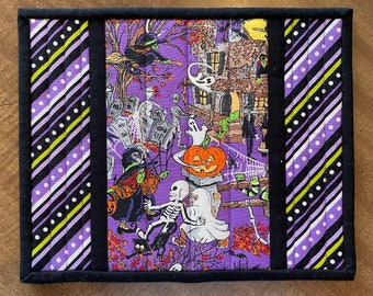 Quilted Halloween mug rug, candle mat, pumpkins and ghosts, Item #830