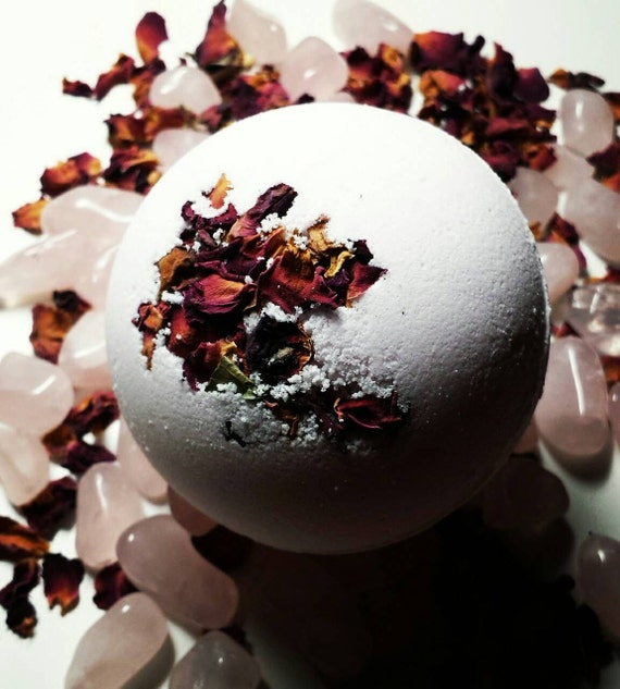 Luxurious Hidden Crystal Bath Bomb