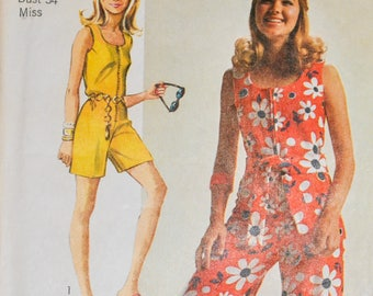 Vintage 1970s Simplicity 8787 Romper, Jumpsuit, Sleeveless, Scoop neck, Size 12, Bust 34, Belted, Front Zip, Shorts, Wide Legs, One Piece