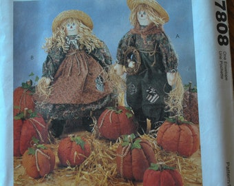 "Vintage 1990s McCalls 7808 Craft Sewing Pattern 21"" Tall Scarecrow Dolls with Clothing and Three 3 Sizes Stuffed Pumpkins UNCUT"