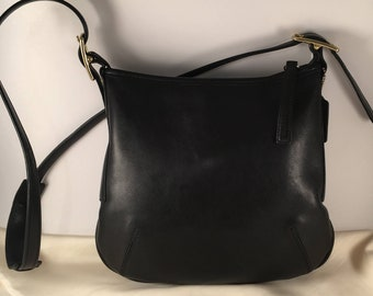 b04954994c65 Vintage Coach Slim Line Duffle Bag in Black Leather   Coach Bag 9204