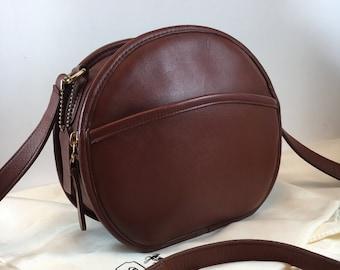 520aff068608 Vintage Coach Bag   Coach Chester Canteen Crossbody Bag   Coach Bag Style  9901