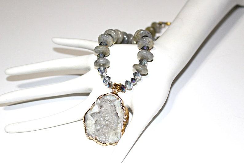 Geode Pendant Necklace  with Labradorite Gemstones Labradorite Necklace Statement Jewelry Natural Geode Necklace Goldleaf Geode Necklace