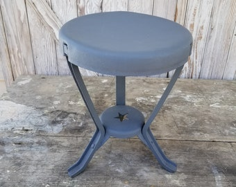Vintage Star Design Metal Milking Stool ~ Rustic Décor ~ Farmhouse ~ Industrial Stool ~ Americas Dairyland ~ Country Blue