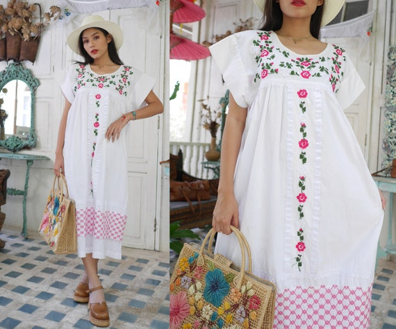 Hand Embroidered Mexican Dress / Embroidered Mexic