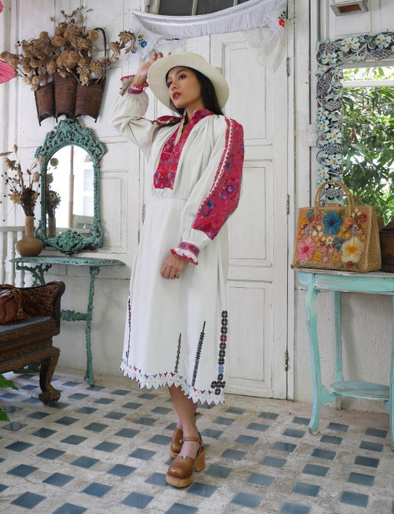 Rare  1930 Antique Embroidered Romanian Dress , T… - image 6
