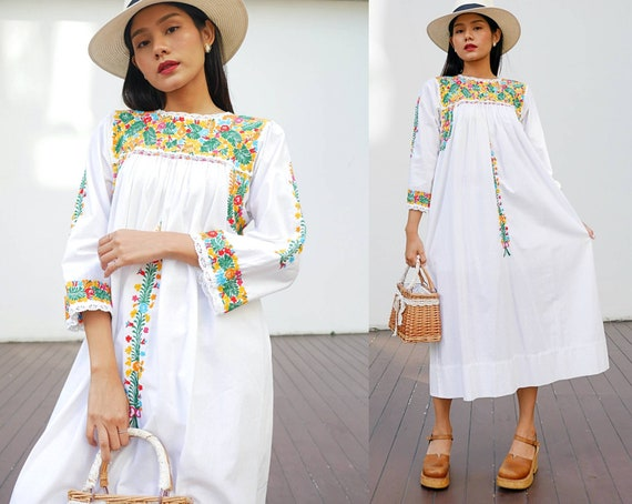 70s Oaxacan Embroidered Mexican Dress   Vintage ME