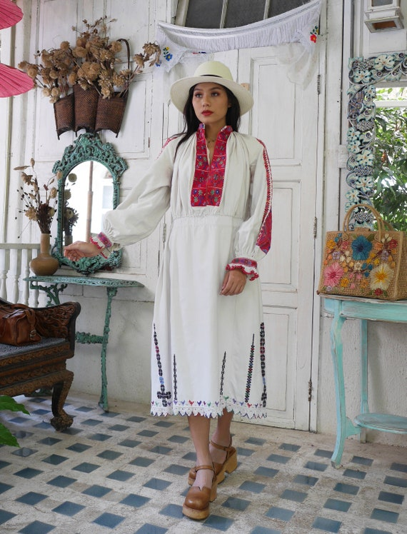 Rare  1930 Antique Embroidered Romanian Dress , T… - image 5