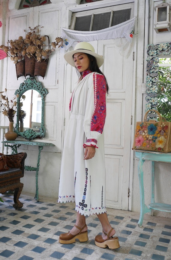 Rare  1930 Antique Embroidered Romanian Dress , T… - image 7