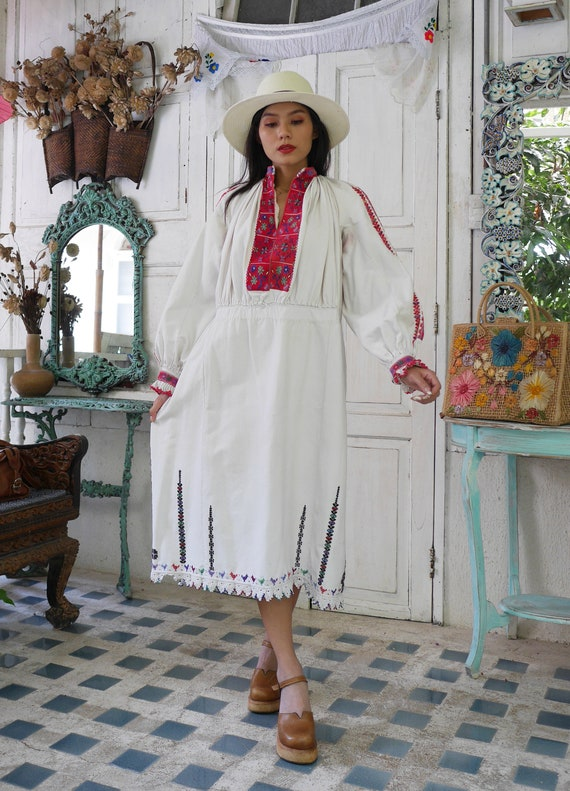 Rare  1930 Antique Embroidered Romanian Dress , T… - image 2