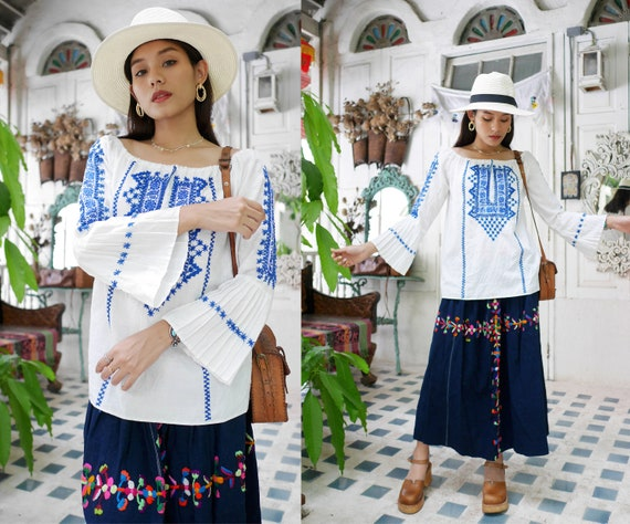 Beautiful Vintage Hand Embroidered Romanian Peasan