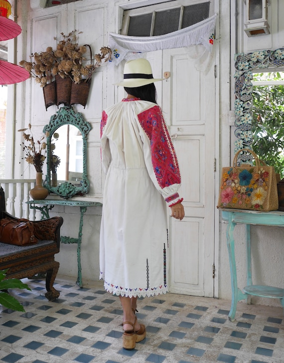 Rare  1930 Antique Embroidered Romanian Dress , T… - image 8