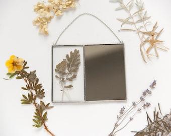 Pressed flowers mirror, Small hanging mirror, Scandinavian Primitive, Plant lovers gift idea, Minimalistic design, Botanical framed wall art