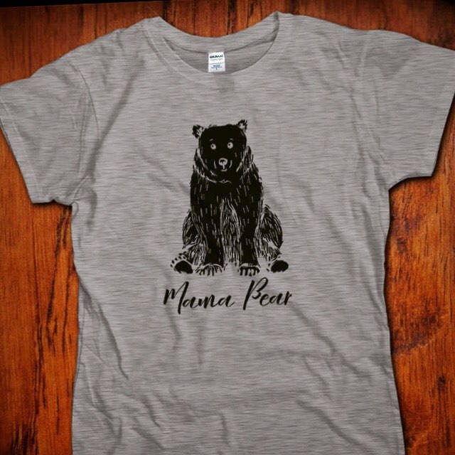 mama bear t shirt cadeau pour maman tr s tendance nouvelle etsy. Black Bedroom Furniture Sets. Home Design Ideas