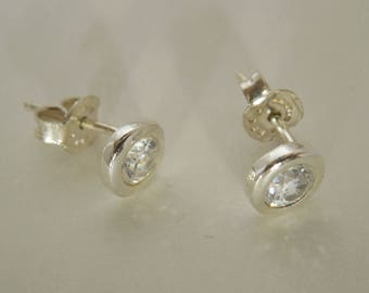 Sterling Silver Brilliant White Cubic Zircon Stud Earrings