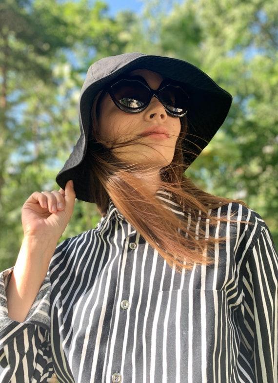 Vuokko sun hat in black cotton / vintage classic