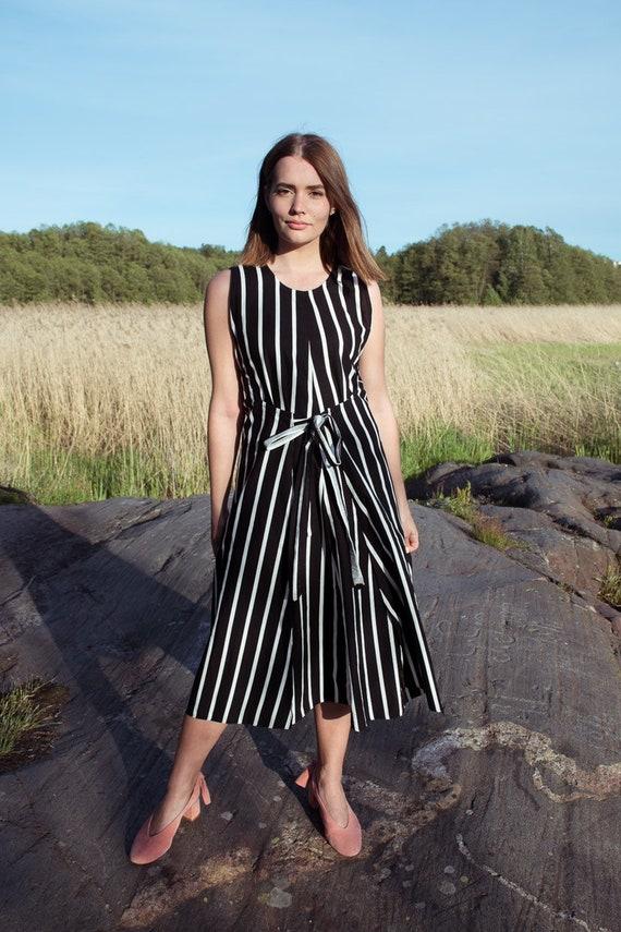 Rare vintage Vuokko wrap dress / black and white s