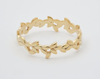 Leaf ring simple floral wedding band for women 14K solid gold