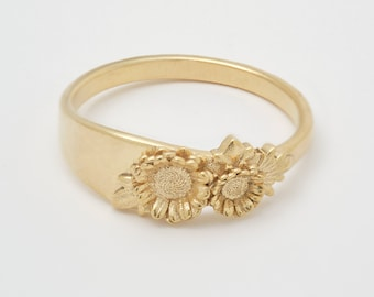 Floral Signet Sunflower Ring with engraved initials in 14K solid gold