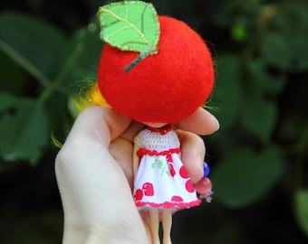 Outfit for petite blythe - Red cherry - dress for blythe doll - wool hat for miniature blythe doll