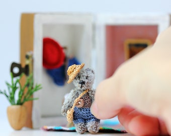 Micro teddy bear in house  - OOAK Collectible Micro teddy bear - Roombox with teddy bear