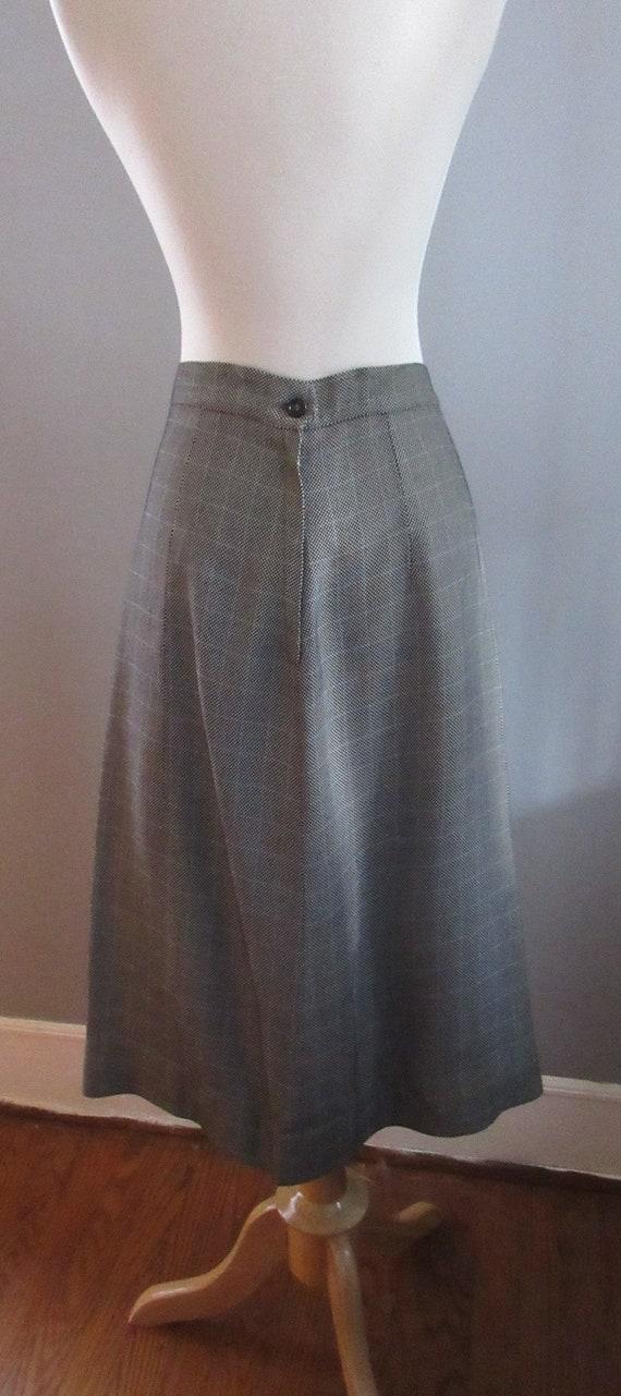 40s Joselli Plaid Skirt Suit - image 9