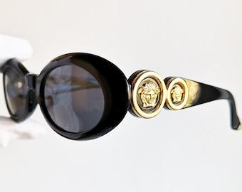 40f145961254 VERSACE vintage sunglasses rare 527 oval black gold medusa genuine Gianni  90s Biggie Tupac Rihanna Migos frame new NOS